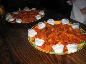 Wing_Off_7_NYC_Best_hot_wings_old_town_tavern_wogies_120708_003