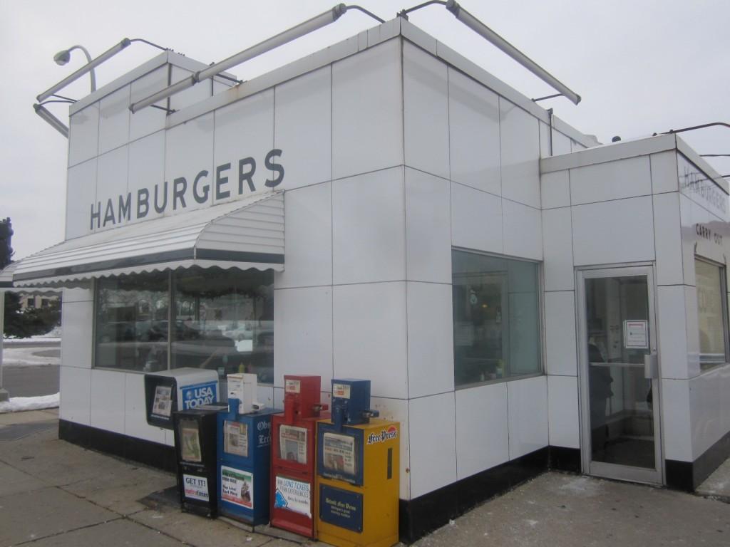 Bates-Hamburgers-Livonia-Burger-Conquest-Rev-Ciancio-IMG_5457