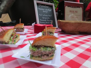 Amstel_Light_Battle_Of_The_Burger_Timeout_Tasting_Table_Richad_Blais_Hudson_Common_NYC_082113_6103