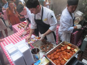 Amstel_Light_Battle_Of_The_Burger_Timeout_Tasting_Table_Richad_Blais_Hudson_Common_NYC_082113_6104