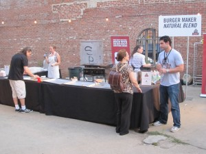 Brooklyn_Burger_n_Beer_Garden_The_Food_Film_Festival_NYC_burger_maker_conquest_jamie_schweid_ronnie_campbell_062710_193