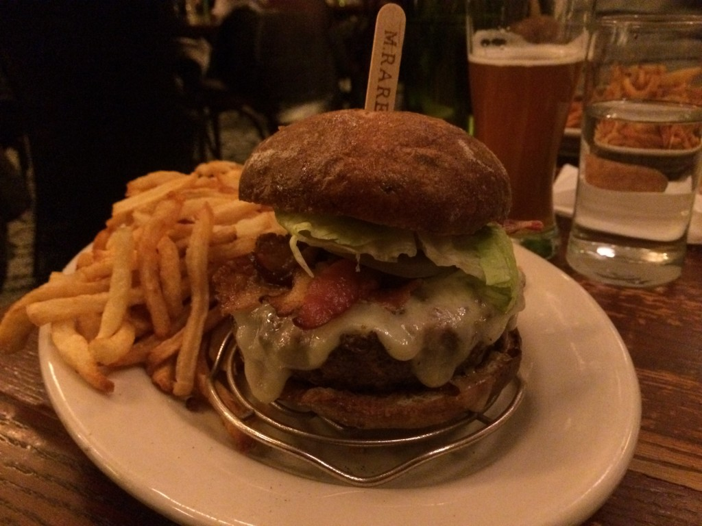 The_Smith_Upper_West_Side_Burger_Lift_NYC_Review_032414__2667