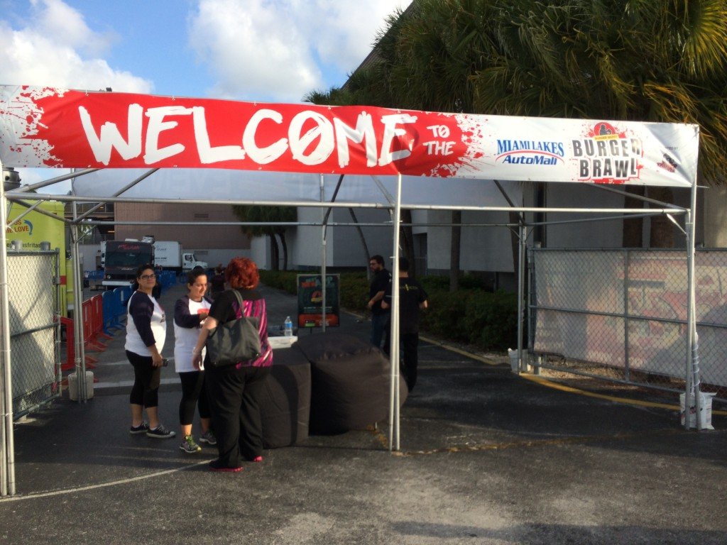 Burger_Beast_Burger_Brawl_Miami_Burger_Week_Burger_Conquest_Burger_Maker_Magic_City_050914_4763