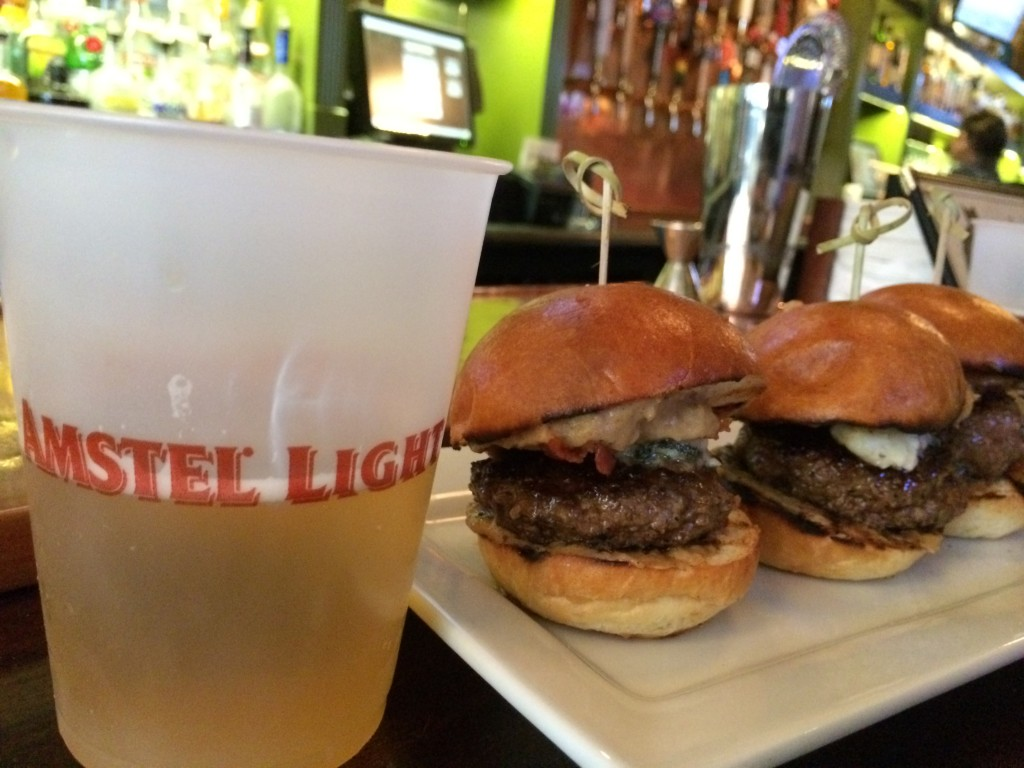 NY_The_Burger_Week_NYC_2014_Amstel_Light_Annual_Burger_Crawl_Autism_Speaks_050314_4252
