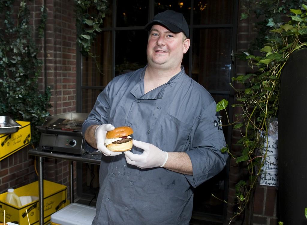 NY_The_Burger_Week_NYC_2014_Event_NY_Burger_Feast_Hudson_Hotel_Bash_NY_Burger_Feast_Burger_Maker__0073