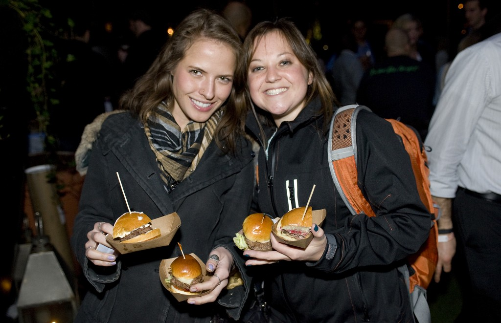 NY_The_Burger_Week_NYC_2014_Event_NY_Burger_Feast_Hudson_Hotel_Bash_NY_Burger_Feast_Burger_Maker__0195