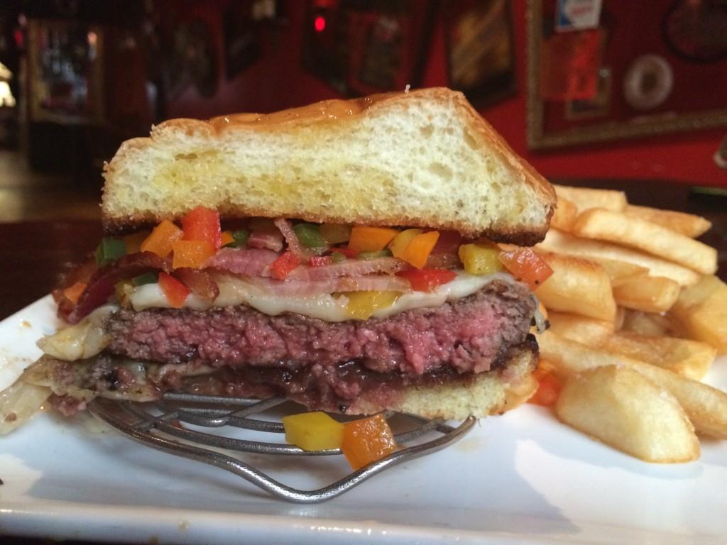Fall_Burger_Crawl_FBC1_Burger_Conquest_Russell_Jackson_Sixpoint_2354