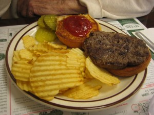 Famoores_Family_restaurant_Oil_City_Pennsylvania_Burger_conquest_rev_ciancio_092509 011