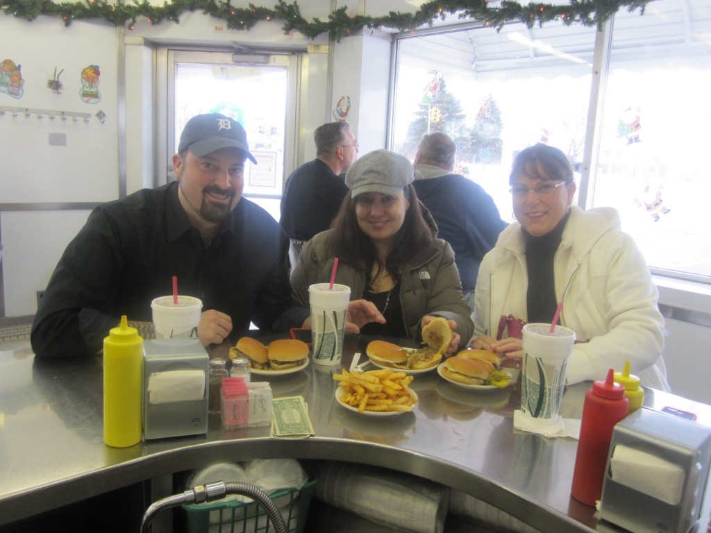 Bates-Hamburgers-Livonia-Burger-Conquest-Rev-Ciancio-IMG_5462