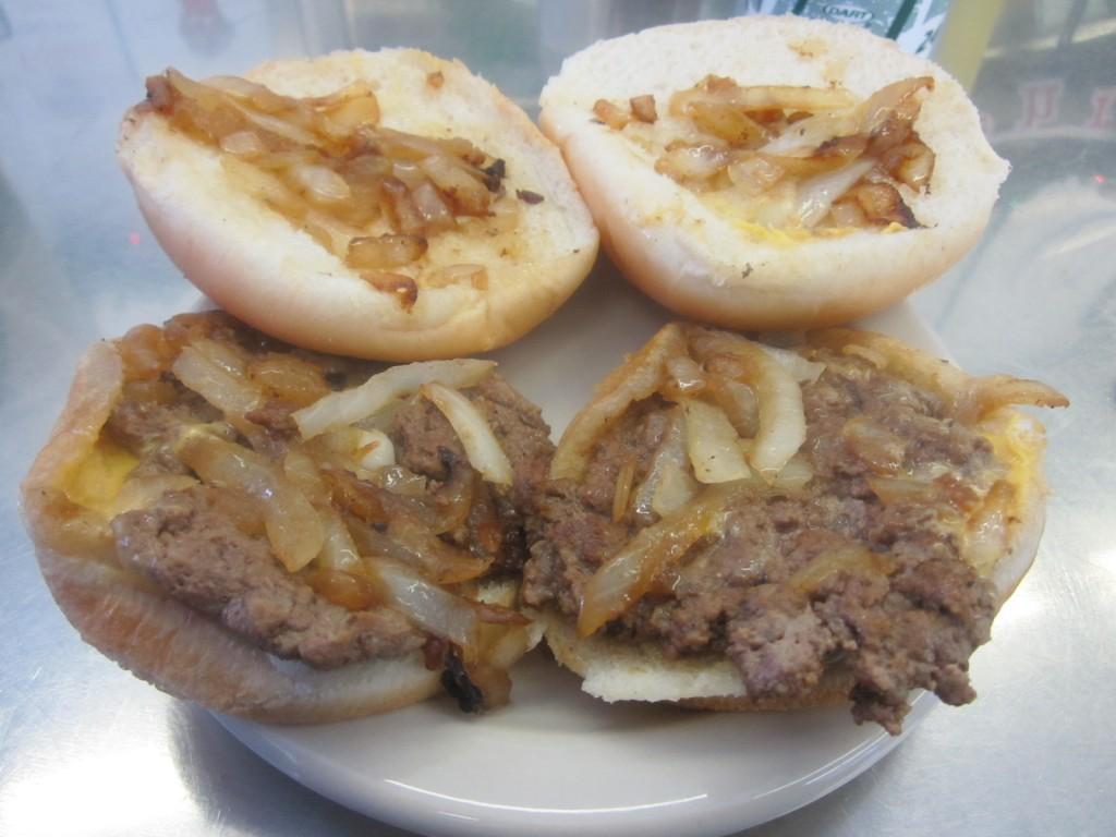 Bates-Hamburgers-Livonia-Burger-Conquest-Rev-Ciancio-IMG_5467