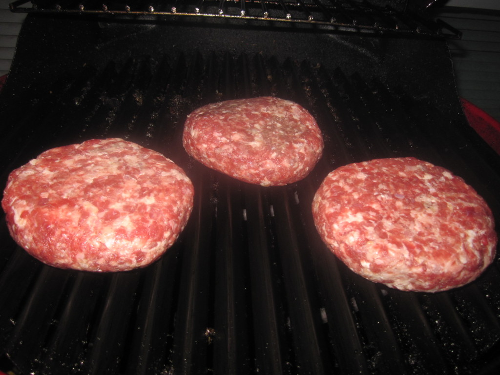 dicksons-farmstand-meats-burger-conquest-grilling-masterpiece-recipe-8020-burger-IMG_7654