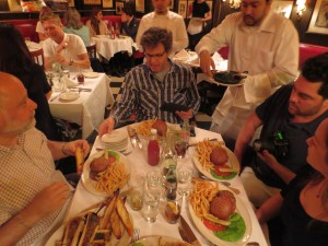Minetta_Tavern_Burger_Conquest_George_Motz_051813_5716