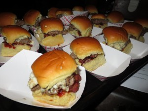 NY_Burger_Week_Guns_n_Roses_Appetite_For_Destruction_Burger_Beer_Dinner_050113__5488
