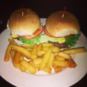 NY_Burger_Week__Amstel_Light_2nd_Annual_NY_Burger_Crawl_Jarlsberg_BurgerGPS_050413_Nelly_Spillanes