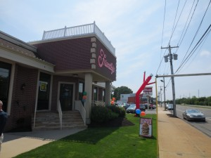 Friendlys_Build_the_Best_Burger_Contest_Massapequa_Long_Island_NY_060913_5731