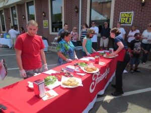 Friendlys_Build_the_Best_Burger_Contest_Massapequa_Long_Island_NY_060913_5734