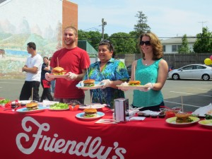 Friendlys_Build_the_Best_Burger_Contest_Massapequa_Long_Island_NY_060913_5739