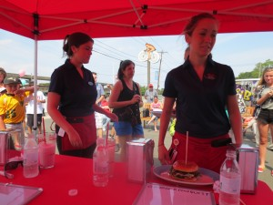 Friendlys_Build_the_Best_Burger_Contest_Massapequa_Long_Island_NY_060913_5746
