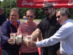 Friendlys_Build_the_Best_Burger_Contest_Massapequa_Long_Island_NY_060913_Judges