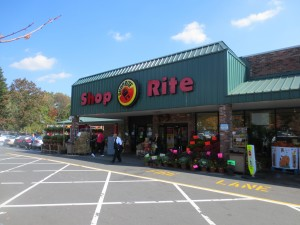 Shoprite_Village_Food_Garden_Burger_Livingston_NJ_100113_6121