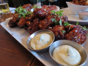 Wing_Off_21_NYC_Best_hot_wings_fatty_crab_distilled_111713_6456