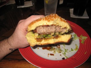 Cedar_Point_TGI_Fridays_review_burger_conquest_cedar_point_jack_daniels_burger