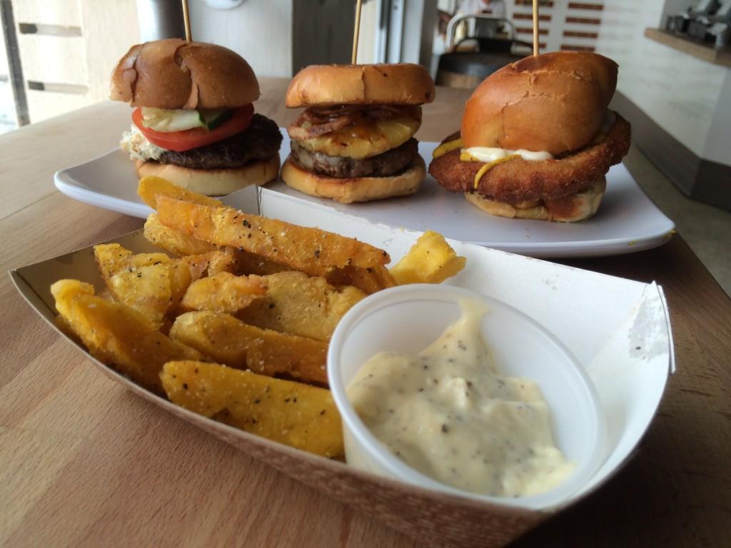Miami_Burger_Week_End_Burger_Conquest_FL_Pincho_Factory_Burger_Brunch_Burger_Maker_051014_5013