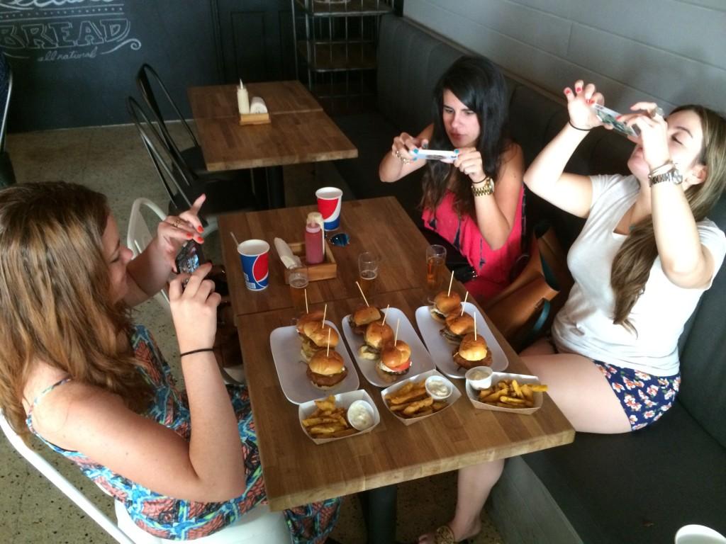Miami_Burger_Week_End_Burger_Conquest_FL_Pincho_Factory_Burger_Brunch_Burger_Maker_051014_5046