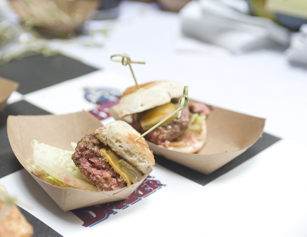 NY_The_Burger_Week_NYC_2014_Event_NY_Burger_Feast_Hudson_Hotel_Bash_NY_Burger_Feast_Burger_Maker__0019