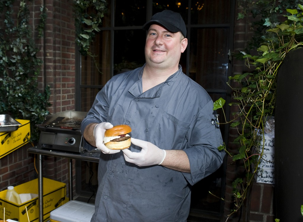 NY_The_Burger_Week_NYC_2014_Event_NY_Burger_Feast_Hudson_Hotel_Bash_NY_Burger_Feast_Burger_Maker__0073
