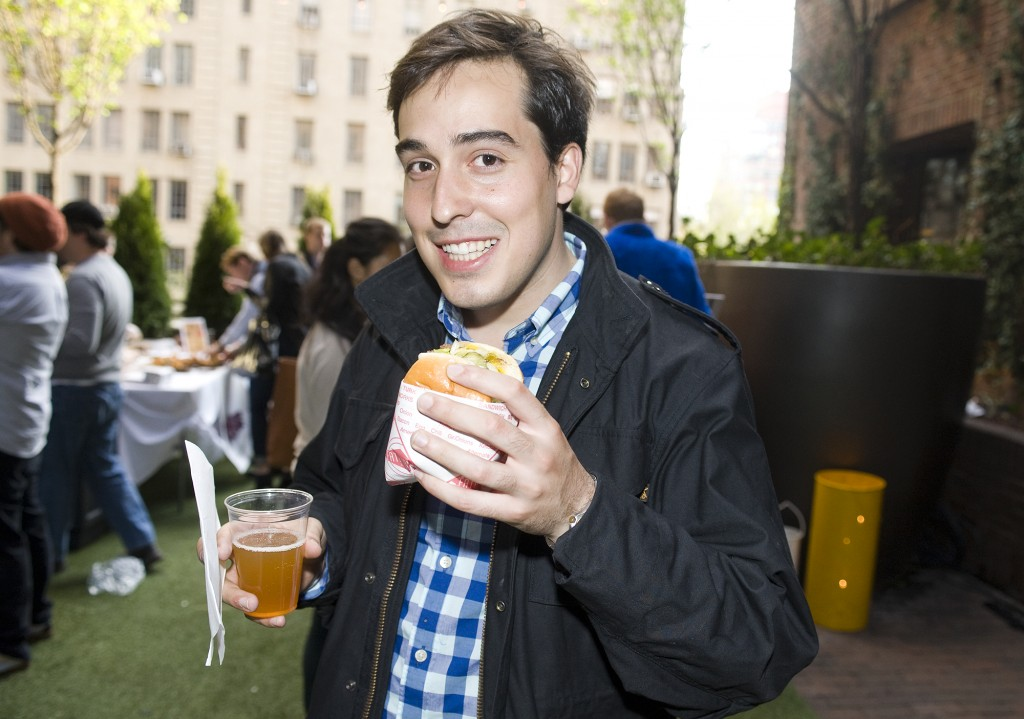 NY_The_Burger_Week_NYC_2014_Event_NY_Burger_Feast_Hudson_Hotel_Bash_NY_Burger_Feast_Burger_Maker__0104