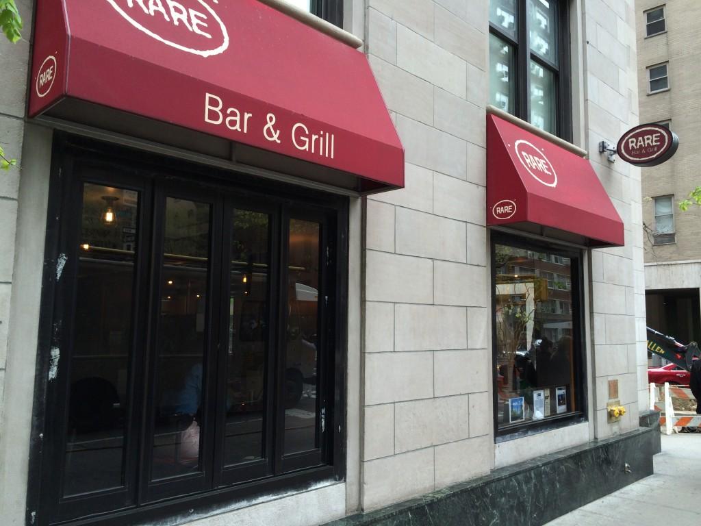 NY_The_Burger_Week_NYC_2014_Rare_Bar_And_Grill_Boozy_Burger_brunch_050414_4343