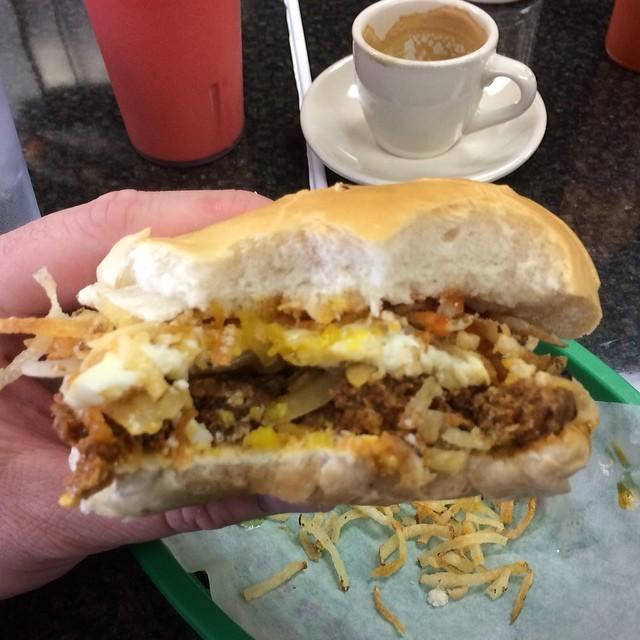 el_mago_de_las_Fritas_burger_conquest_Burger_beast