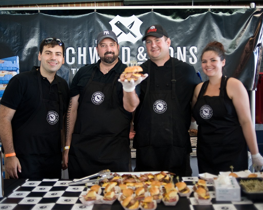bacon_and_beer_classic_nyc_citi_field_2014_burger_conquest_winners_photos_information_01
