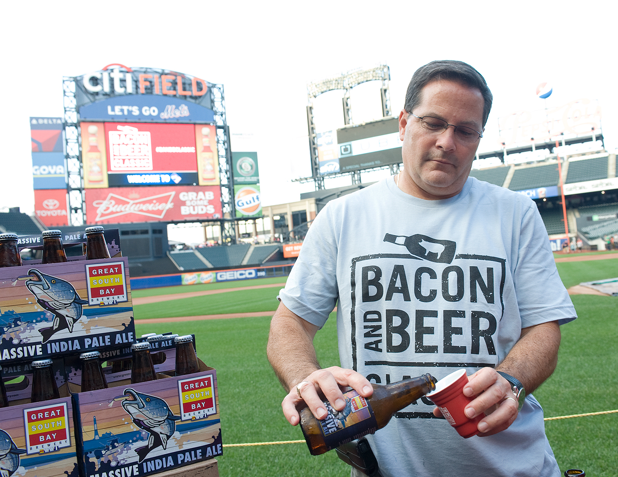 bacon_and_beer_classic_nyc_citi_field_2014_burger_conquest_winners_photos_information_31